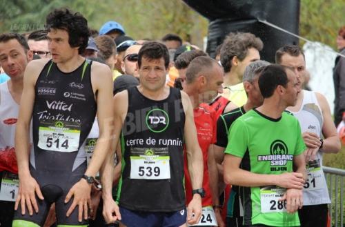 2000x2000pres-de-500-participants-ont-dispute-les-10-km-ce-samedi-a-dijon-photo-georges-santos-1460820724.jpg